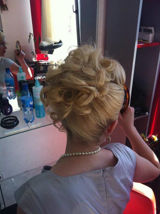 hair stylist Anca